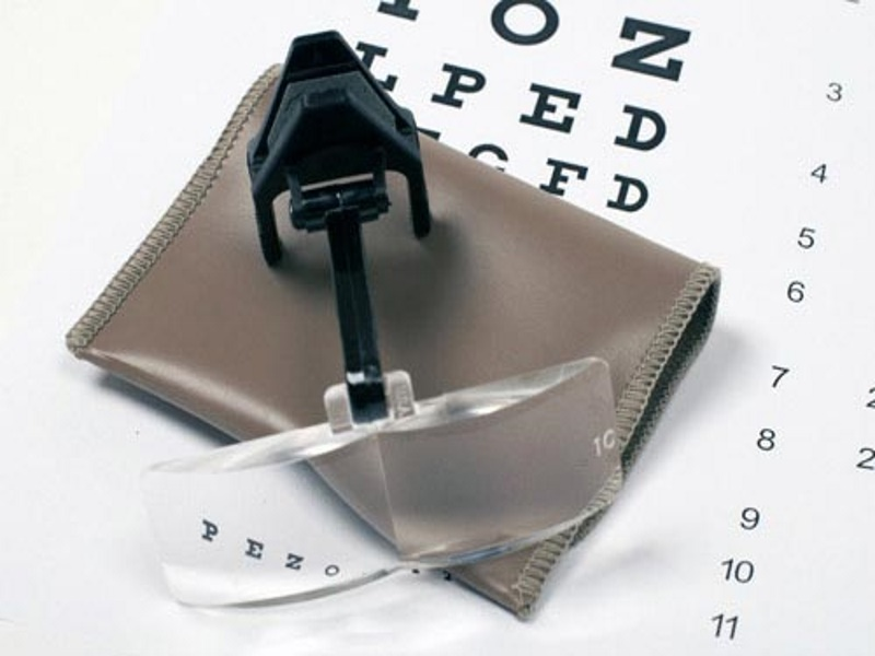 Spectacle Clip-on Magnifier