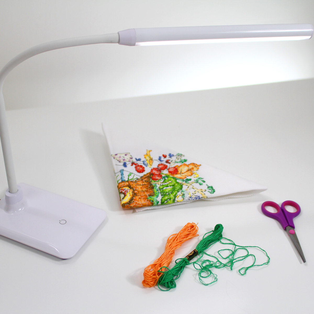 Uno LED Table Lamp 3