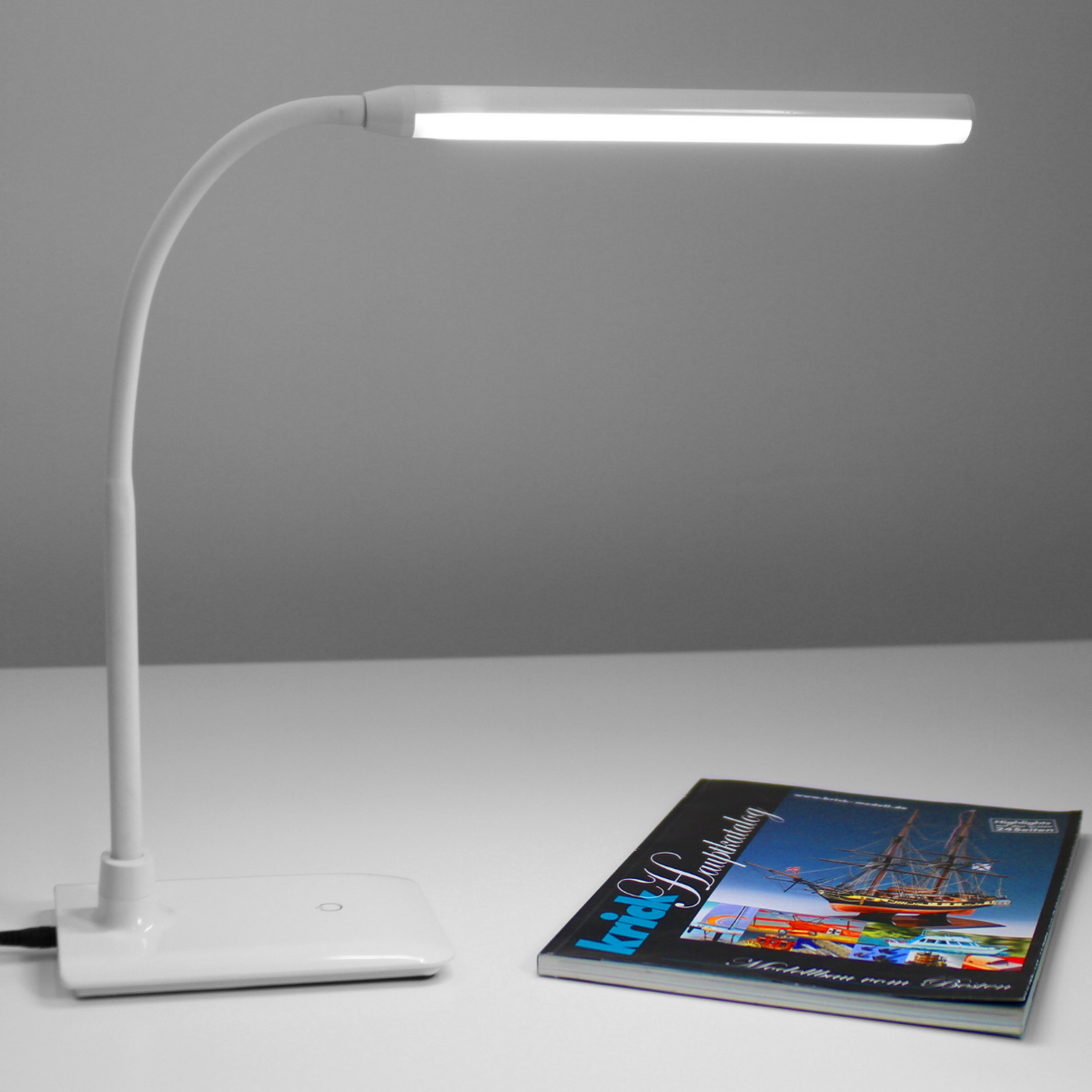 Uno LED Table Lamp 4